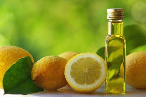 Utilisations du citron pour les ongles.