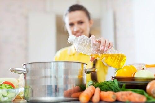 Les meilleures et les pires huiles de cuisine pour la santé