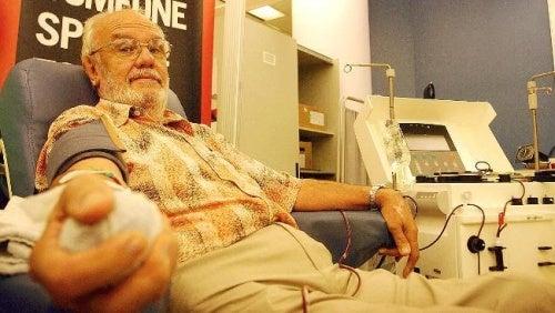 L'homme qui donnait son sang.