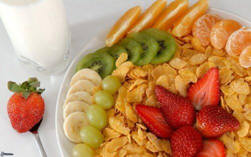petit-déjeuner fruit frais