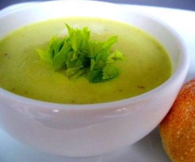 La soupe aux orties purifient le foie et les reins.
