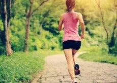 Femme-faisant-de-l'exercice-500x334