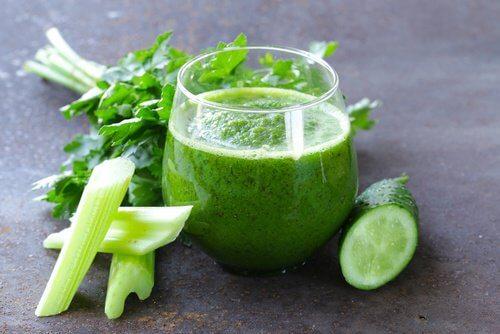 le jus de céleri et concombre est excellent contre les crampes musculaires.