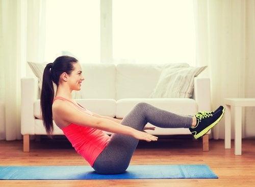 Mouvements pour perdre du ventre.