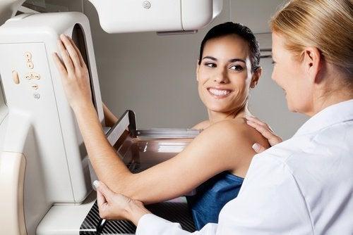 Prévenir et détecter à temps les kystes mammaires