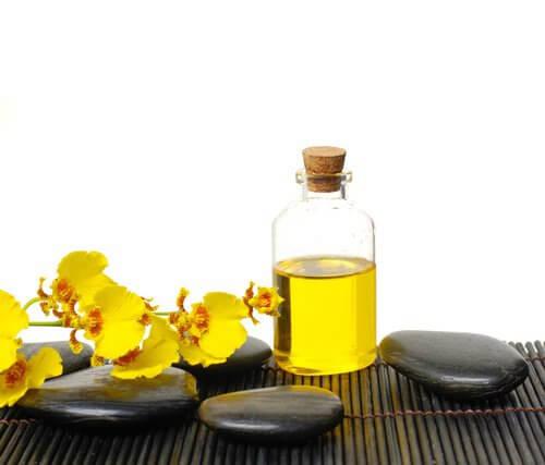 Quelles huiles utilisent pour le renforcement des cheveu