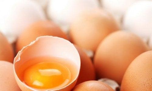 8 astuces de beauté à l'œuf pour peau et cheveux