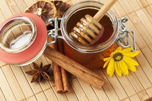 bienfaits du miel et de la cannelle : préparez un remède incroyable