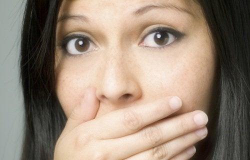 Les 7 odeurs corporelles qui peuvent vous alerter d'un problème de santé