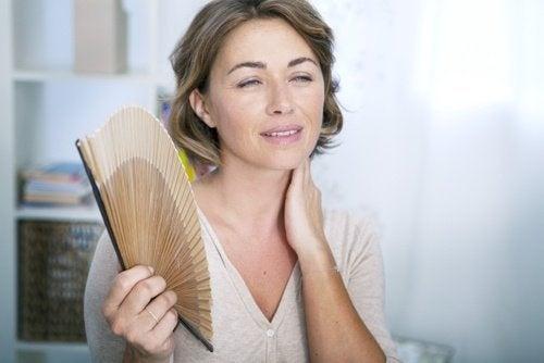 6 infusions naturelles pour traiter les symptômes de la ménopause