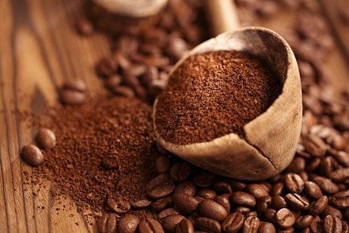 Usages-alternatifs-du-cafe-500x334