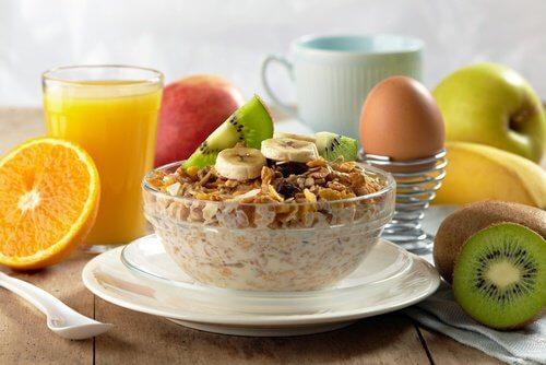 un bon petit-déjeuner pour retrouver un poids idéal