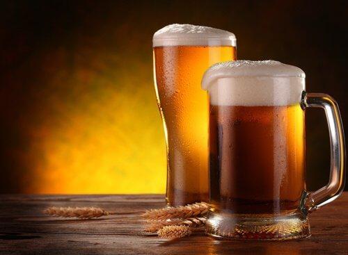 aliments pour la santé des cheveux et des ongles : la bière
