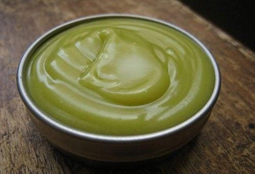 Apprenez à élaborer chez vous une crème aux propriétés analgésiques et anti-inflammatoires