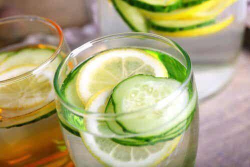 L'eau de concombre : une boisson détoxifiante, diurétique et amincissante