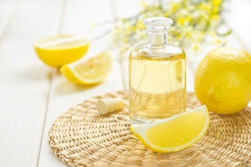 lutter contre les taches sur la peau avec du citron