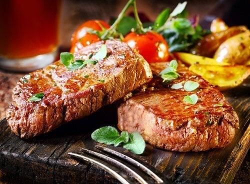 La viande est de l'acidité dans l'estomac.
