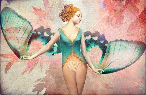 femme-aux-ailes-de-papillon-500x326