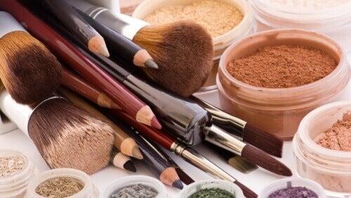 10 produits de beauté à ne pas prêter