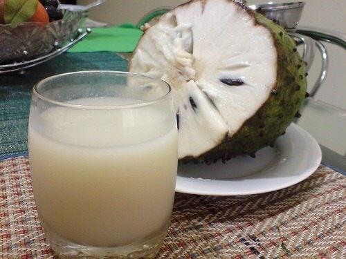 Manger du corossol stimule le système immunitaire et protège le foie