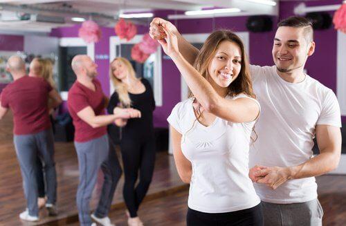 Découvrez les 3 danses qui vous aideront à modeler votre corps :  kizomba