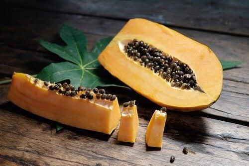 Papaine-responsable-des-vertus-de-la-papaye-500x334