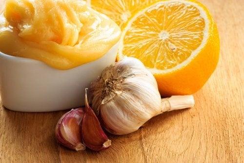 Manger de l'ail, de l'oignon et du citron tous les jours