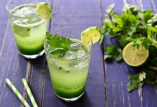 Une boisson au persil pour nettoyer les reins naturellement