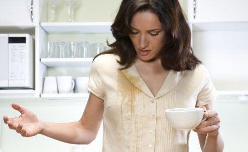 enlever les taches de café