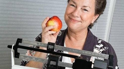 7 astuces pour ne pas prendre de kilos pendant la ménopause