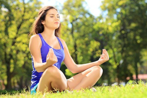Exercice-de-meditation-pour-eliminer-les-tensions-500x334
