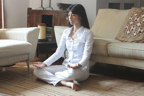 La-meditation-peut-lutter-conre-le-stress-500x334