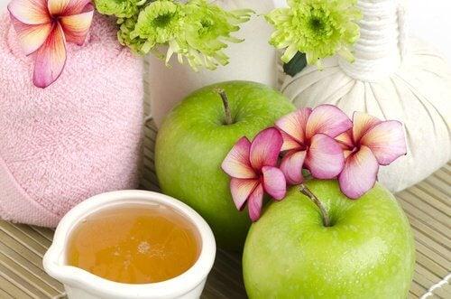 Masque anti-vieillissement a la pomme