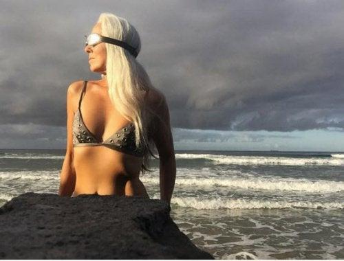 Les secrets de Yazemeenah Rossi pour paraitre jeune à 60 ans