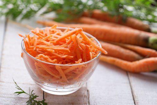 La carotte pour éliminer des taches.