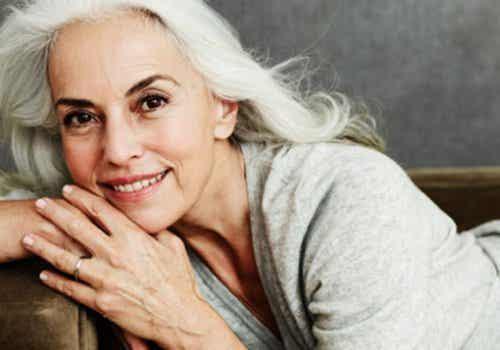 Yazemeenah Rossi révèle ses secrets pour paraître jeune après 60 ans