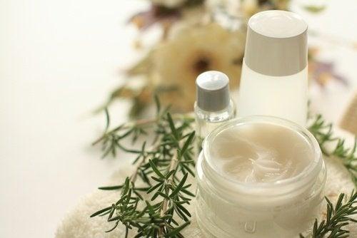 Comment élaborer une crème nutritive maison pour des cheveux sains