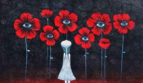 Femme-fleurs-detendant-son-esprit-500x289