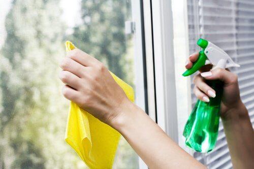 laver ses fenêtres sans produits chimiques