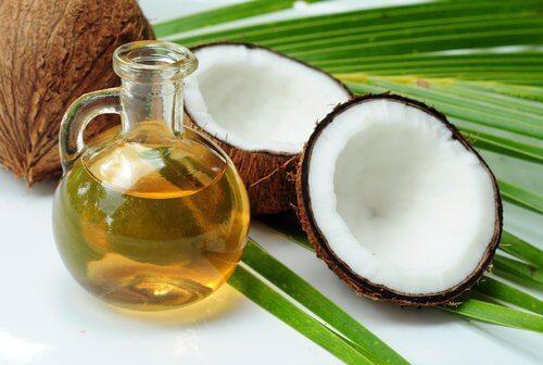 L'huile de coco pour traiter le côlon.