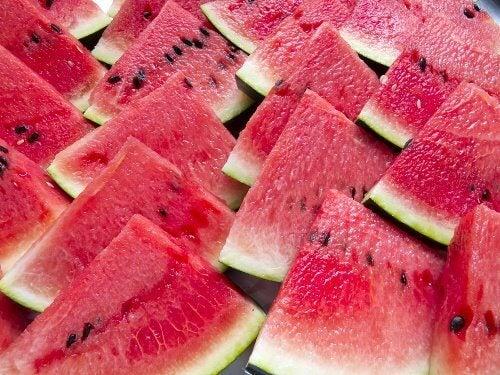 la pastèque , un des diurétiques naturels les plus puissants