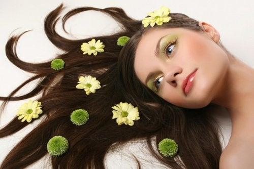 Plantes-pour-la-beaute-et-les-cheveux-500x334