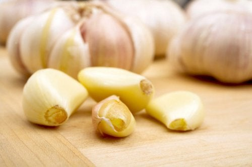 Property-garlic-health-beauty-500x332