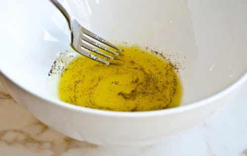 Remède au citron, à l'huile d'olive et au poivre noir