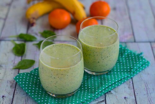 Smoothie-fruits-et-the-vert-500x334