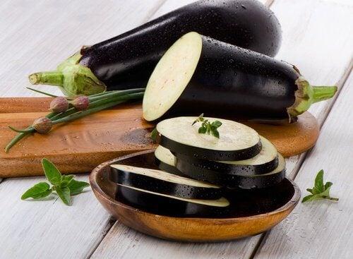 L'aubergine pour les triglycérides.