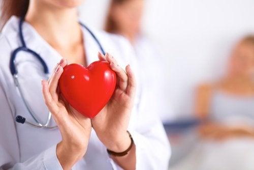 Les bienfaits de la cannelle : elle protège la santé cardiaque.