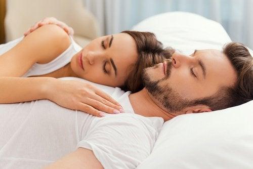 couple qui dort