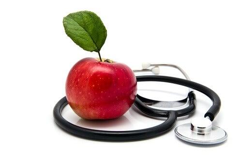 Les-pommes-sont-bonnes-pour-le-coeur-500x334