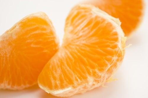 Manger de la mandarine